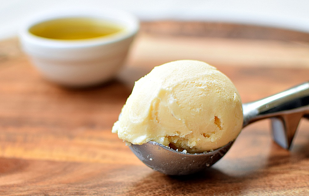 Olive oil ice cream scoop