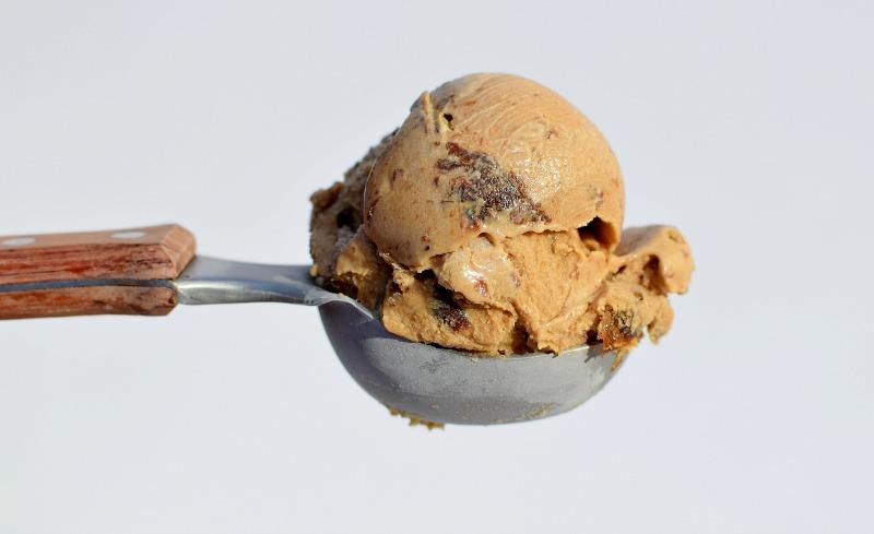 Prune ice cream scooped